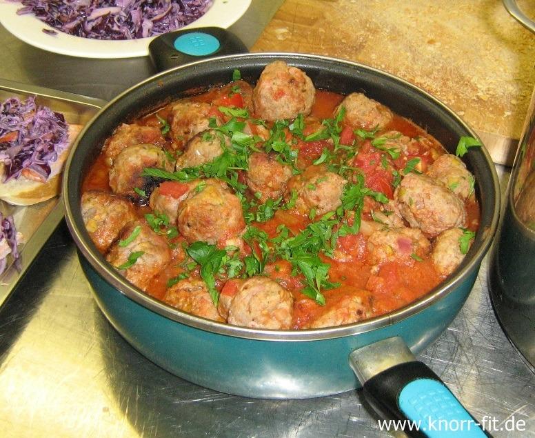 Fleischklößchen in Tomatensud