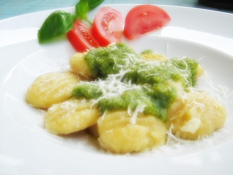 Gnocchi mit grünem Pesto – selbstgemacht