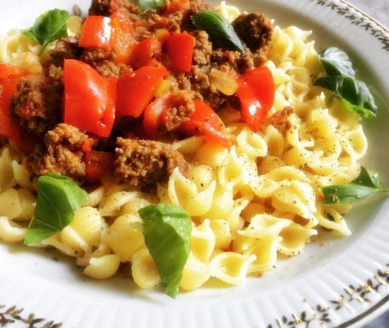 Bolognese an Pasta